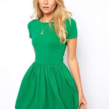 Plain Short-Sleeve Pleated Dress