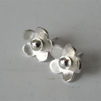 Silver buttercup flower earrings