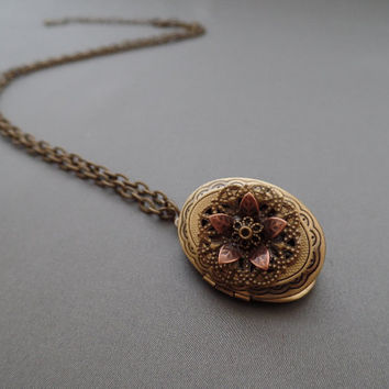 Antiqued Locket Necklace - Filigree Locket - Photo Locket