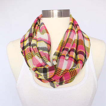 Lightweight Checkered Infinity Scarf