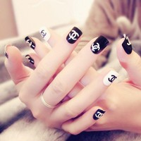 Fashion Fake Nail Classic Black White False Nails Tips Artificial Nail Manicure Product Full Wrap Tips