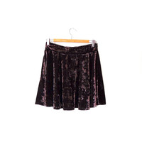 Dark smokey taupe glossy velvet skirt / silvery purple / skater / flared / elasticated / vintage / 90s / medium / gothic / velvet mini skirt