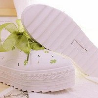 CLOVER SHOES (WHITE) from Storeunic