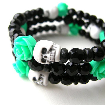 Halloween Special Black and Green Skull Bracelet - Dead of the Dead Bracelet - Gothic Jewelry - Black Jewelry - Skulls - Skull Bracelet