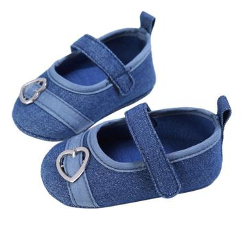 2017 summer Fashion Baby Girls First Walkers Sweet Solid Color Heart Pattern Princess Anti-slip Newborn Baby Shoes