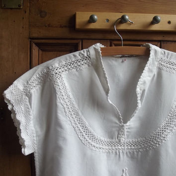 Boho shirt / vintage hippie blouse / crochet edging / lace ethnic / white top / Dolly Topsy Etsy UK