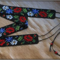 Belt with flowers poppies