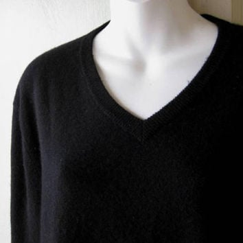 Soft Vintage Black Cashmere V-Neck Pullover; Men's XS/Women's Medium-Lg Black V-Neck Boyfriend Sweater; U.S. Shipping Included