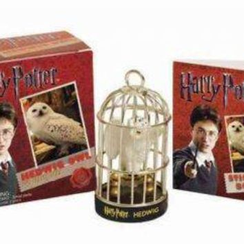 Harry Potter Hedwig Owl and Sticker Book (Running Press Miniature Edition)