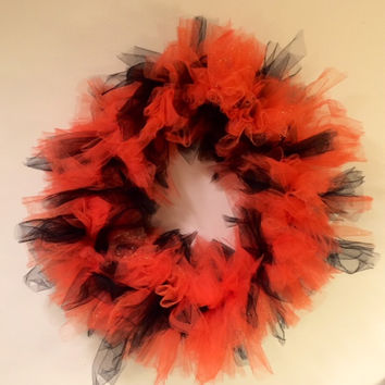 Halloween Wreath, Autumn Door Decor, Orange and Black, Wall Hanging, Tulle Wreath, 18 Inch Wreath, Shabby Chic, Holiday Decor, Housewarming