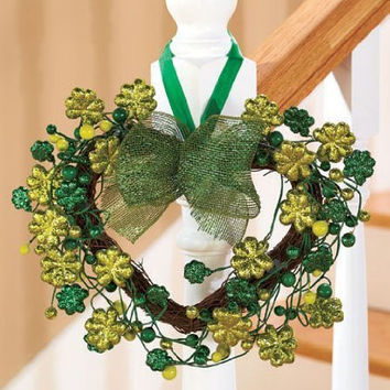 KNLSTORE Decorative Glitter Sparkling St Patrick's Day Lucky Irish Green Shamrock Clover Day Holiday Heart Wreath Wall Hanging Decor Grapevine Twigs Berries Bow Ribbon Home Accent Window Door Accent Country Primitive Whimsical Shabby Chic Decoration
