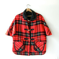 Vintage 1960s plaid wool cape. Metal clasp closures. Preppy Fall cape cloak poncho. Blanket coat.