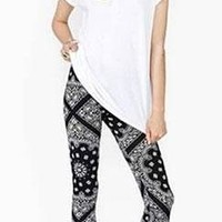 Black White Bandana Print Stretchy Elastic Waist Fitted Full Length Outerwear Leggings - Sold Out