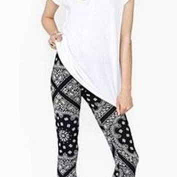 Black White Bandana Print Stretchy Elastic Waist Fitted Full Length Leggings - Last One