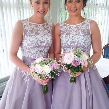 Vintage Tea Length Lace Bridesmaid Dress Appliques Scoop Neck Lavender Bride Maid Dresses Blue Pink Organza Wedding Party Gowns