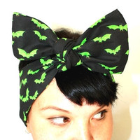 Bow hair tie, Vintage Inspired Head Scarf, Bow Style, Neon green Bats, Rockabilly, Retro