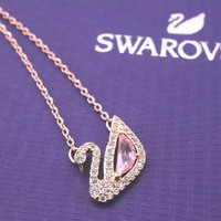 Hcxx 19Oct 539 Fashion Jewelry Swarovski Rouge Powder Drill Swan Crystal Necklace