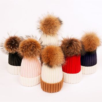 Mixed Color Matched Vertical Woolen Yarn Knitted Winter Hat for Men and Women with Big Pom pom Real Fur Ball Female Caps