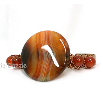 Agate and carnelian gemstone cuff bracelet, brass cuff with natural stones, agate jewelry, orange bracelet