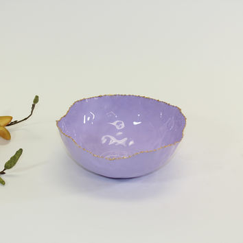 Coastal Small Round Bowl in Lilac with Gold Rim