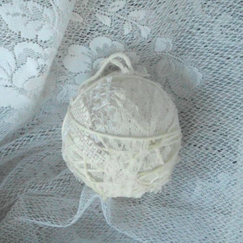 Lace, Burlap, and Yarn Ornament, Laces, Rustic, Vintage, Antique, Christmas Decoration, Jute, Shabby Chic, Primitive, Country, wedding
