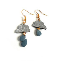 Asymetrical cloud earrings in blue and silver leather