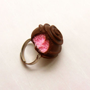 strawberry pink chocolate truffle ring