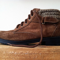 Rugged Sienna Brown Suede Lace Up Chukka Boots With Knit Sweater Top  Size 6