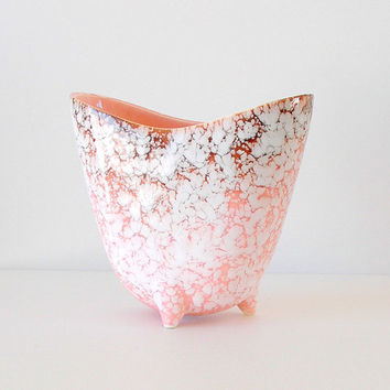 Vintage USA Pottery Vase. MCM. Pink. Brown. White. Mid Century Modern. Marbled Overglaze