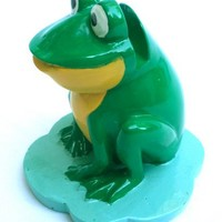 Frogs Themed Unique Novelty Decorative Eyeglasses Holder - Green With Yellow Chest