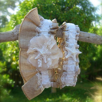 Rustic Beach Wedding Garter Set,Burlap and Lace,Beach Weddings, Rustic Weddings, Burlap Garter Set, Starfish Wedding, Bridal Garter Sets