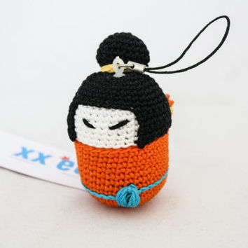 Crochet-Kokeshi Keyring and pillbox