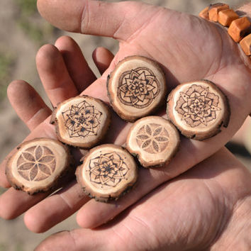 Mandala necklace / wooden necklace, handmade, upcycled // pear wood unique hippie bohemian spiritual // necklace with symbol, detailed
