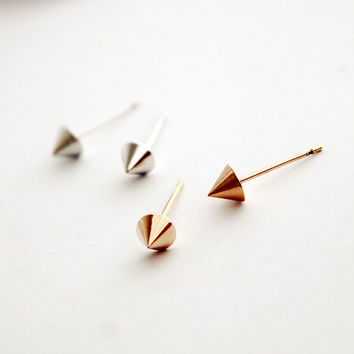 Unique Simple Rivet Earring (2 PCS)+ Beautiful Gift Box