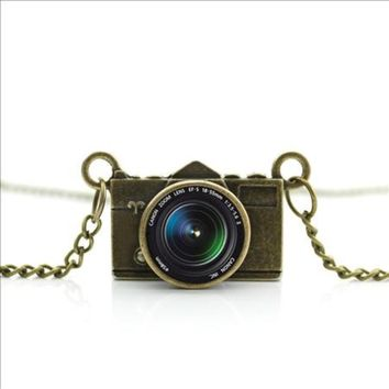 Awesome Photo Lens Antique Gold Tone Vintage Look Camera Charm Necklace