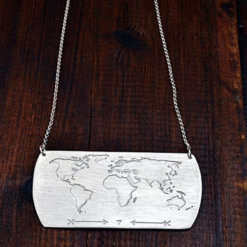 Travel Necklace / World Map Necklace / Christmas Gift / Travel Gift / Personalized Jewelry /Handmade Necklace With World Map Engraving