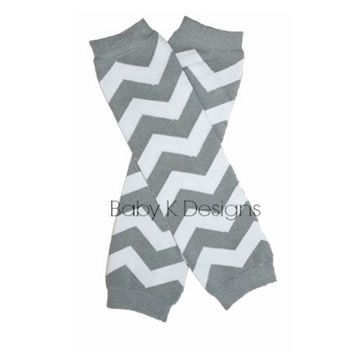 Christmas Silver Grey White Chevron Stripe NO Ruffle Legwarmers. Baby Boy / Girl Unisex Knit Leg Warmers.Striped Footless Sock Soccer Dance