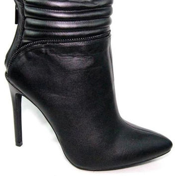 Gia Boots With a Pointed Toe & Stiletto Heel