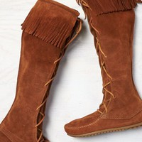 AEO Women's Minnetonka Lace-up Knee High Boot (Brown)