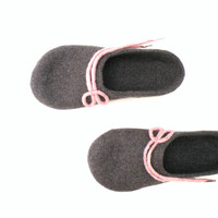 Felted wool slippers -  handmade wool clogs - grey pink felt slipper - made to order - autumn winter fashion