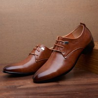The man pointed shoes, men's shoes