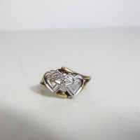 Vintage Ring: 10k White and Yellow Gold Linked Hearts