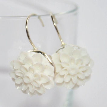 White Flower Earrings Silver, Chrysanthemum Floral leverback dangle earrings, Flower cabochon earrings, simple Wedding everyday Jewelry Gift