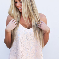 Brunch Date Lace Tank {Peach}