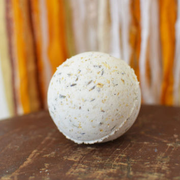 Nature's Romance All Natural Bath Bomb, Cruelty Free Bath Bomb with Lavender and Oats