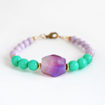 Purple bracelet, agate beaded bracelet, faceted stone bracelet, faceted bracelet, purple and mint bracelet, gemstone bracelet