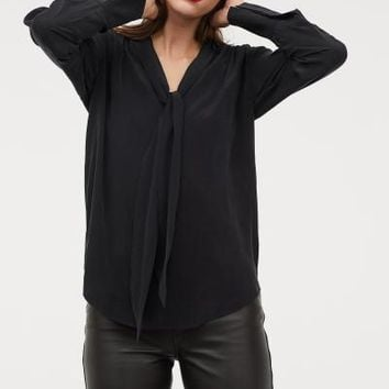 Blouse with Tie Collar - Black - Ladies | H&M US