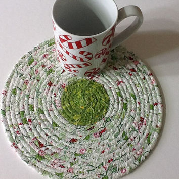 Green and White Coiled Rope Trivet, Christmas Fabric Trivet, Fabric Hot Pad, Quiltsy Handmade