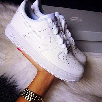 NIKE AIR FORCE 1 classic white men's sports and leisure white shoes