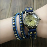 MagicPiece Handmade Vintage Style Leather Watch For Women Big Round Dial Leather Wrap Watch with Rivet in 4 Colors: Blue